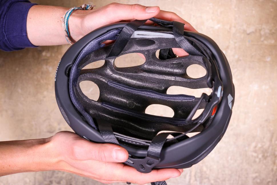 Catlike Kilauea Helmet - inside.jpg