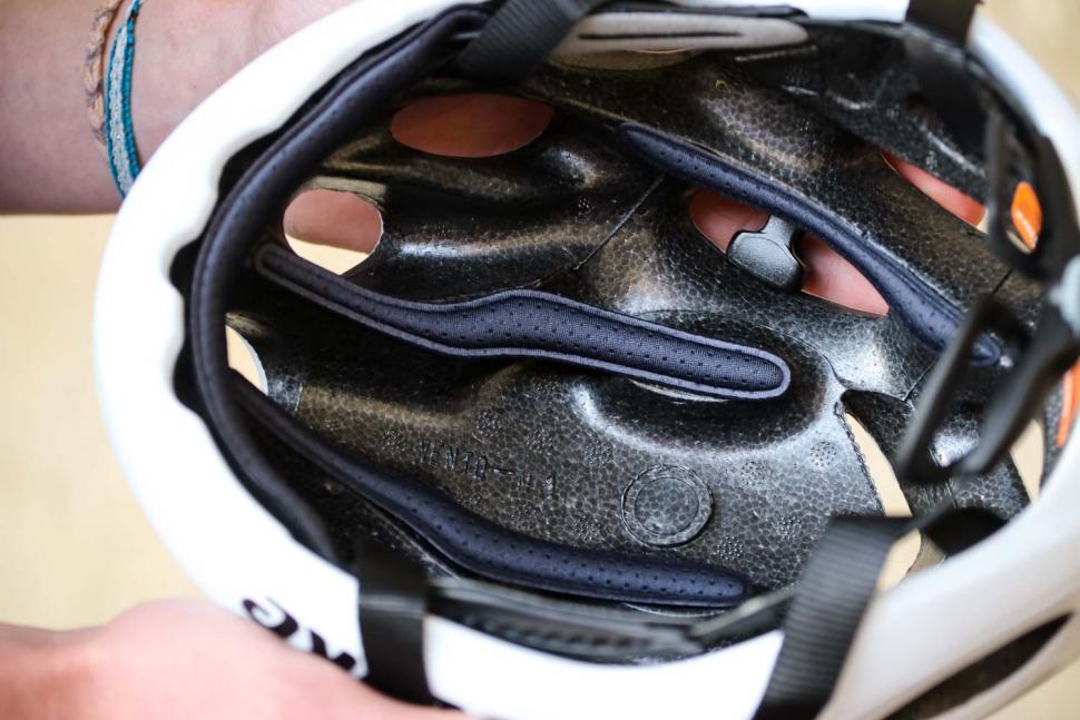 Catlike Vento helmet - inside detail.jpg