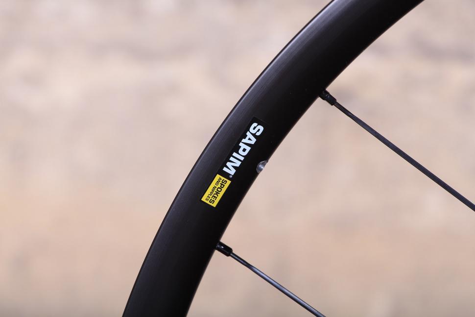 Cero ARD23 Aluminium Disc Clincher Wheelset - detail.jpg
