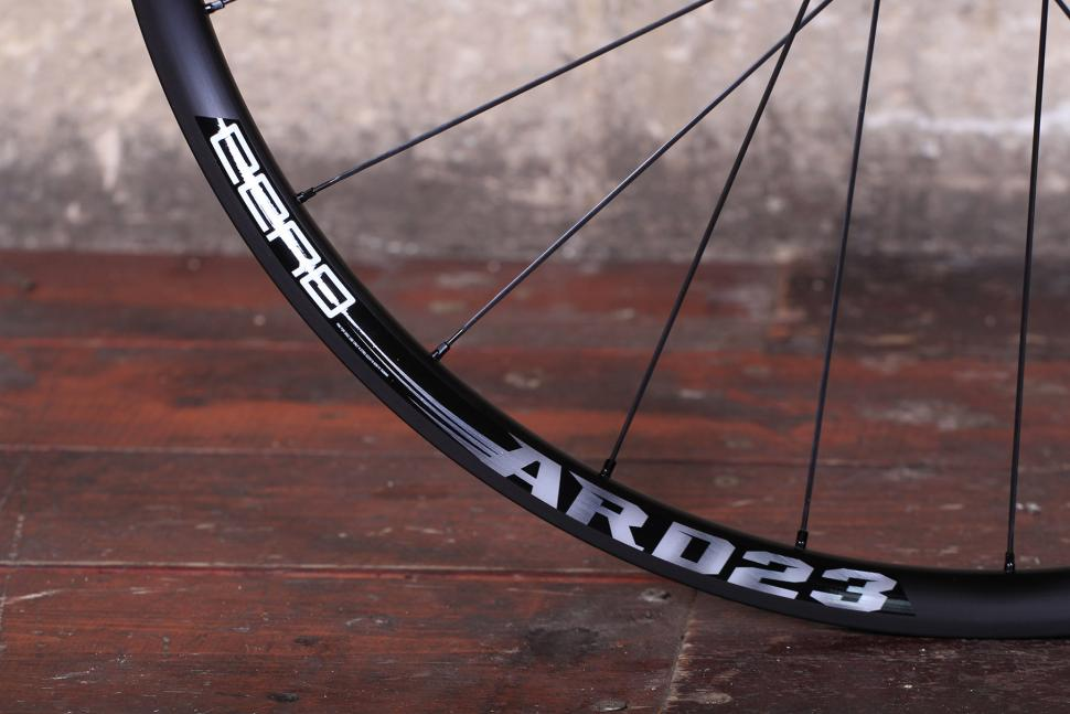Cero ARD23 Aluminium Disc Clincher Wheelset - rim detail.jpg