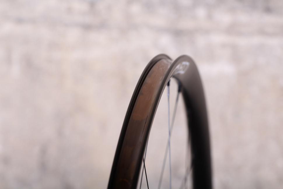 Cero ARD23 Aluminium Disc Clincher Wheelset - rim tape.jpg