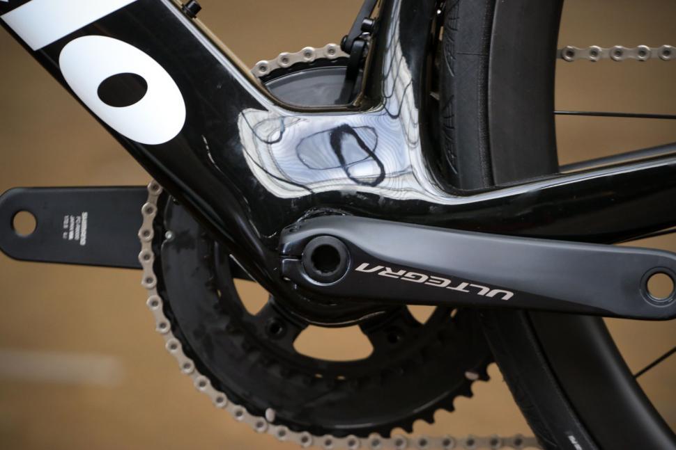 Cervelo S5 UItegra Di2 - bottom bracket.jpg