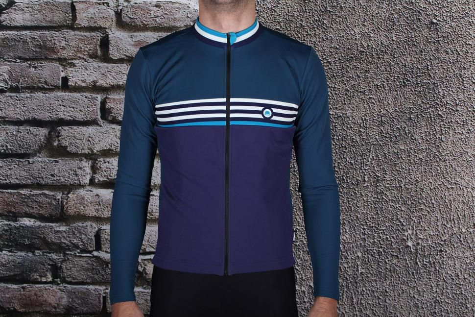 Review  Chapeau! Thermal Jersey Midnight Blue  53034e032