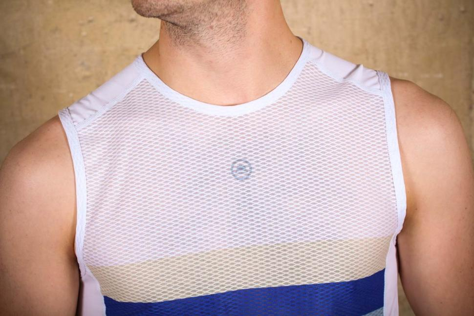 chapeau_mesh_sl_base_layer_-_detail.jpg