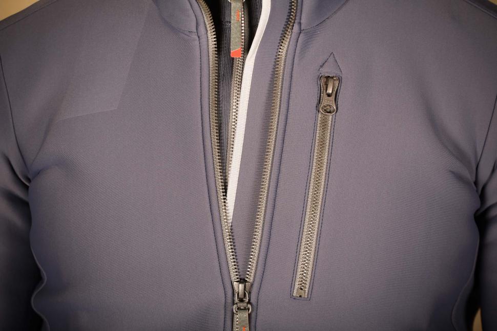 Chpt.III Jersey Jacket - zip detail.jpg