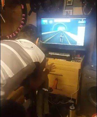 Chris Hopkinson Zwift distance record attempt.jpg