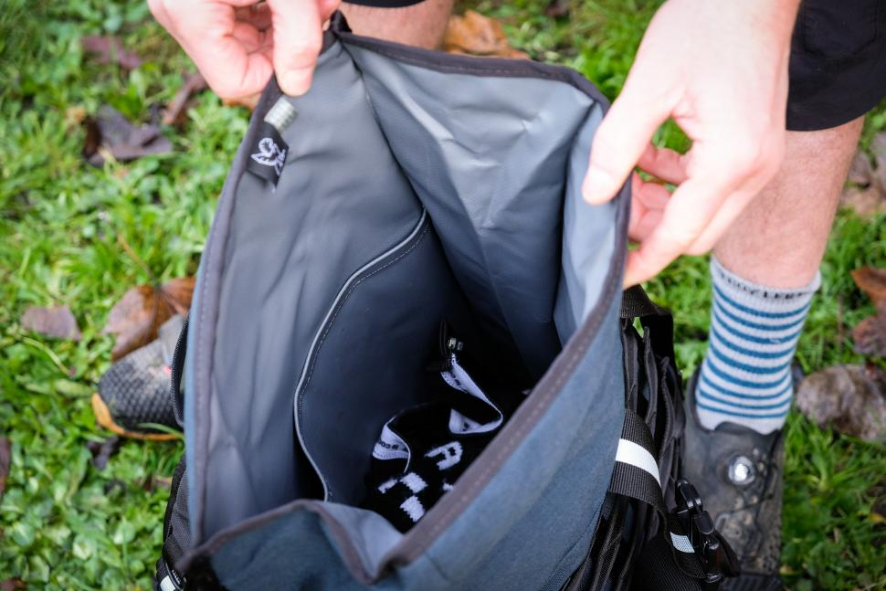 Chrome Barrage Backpack Internal-19.jpg