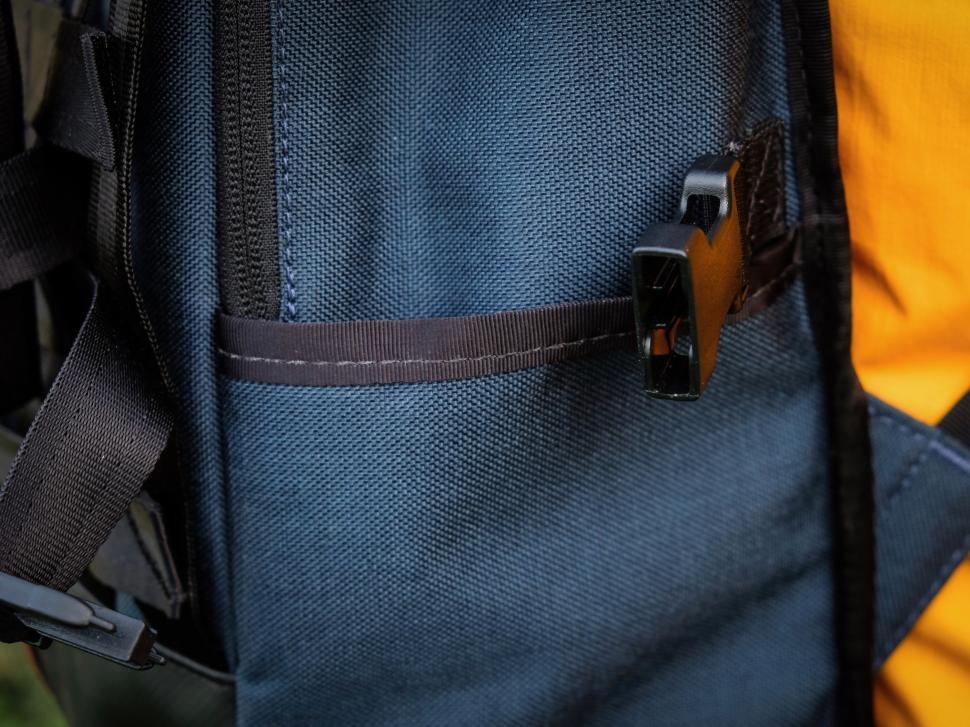Chrome Barrage Backpack Sidepocket-15.jpg
