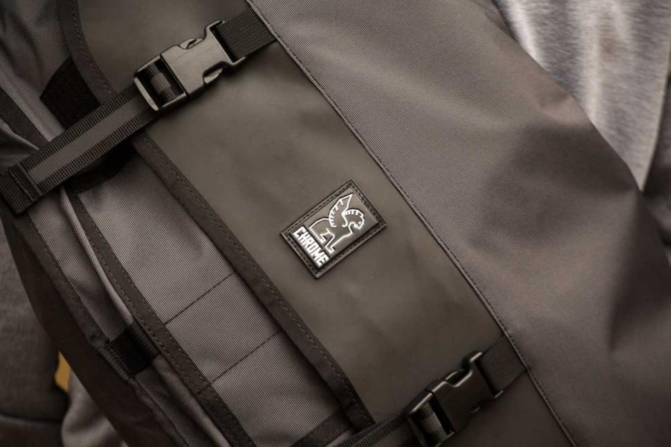 Chrome Welterweight Citizen Messenger Bag - logo.jpg