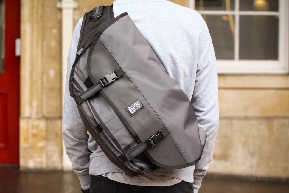 premium selection ec6cb f6314 Review: Chrome Welterweight Citizen Messenger Bag | road.cc