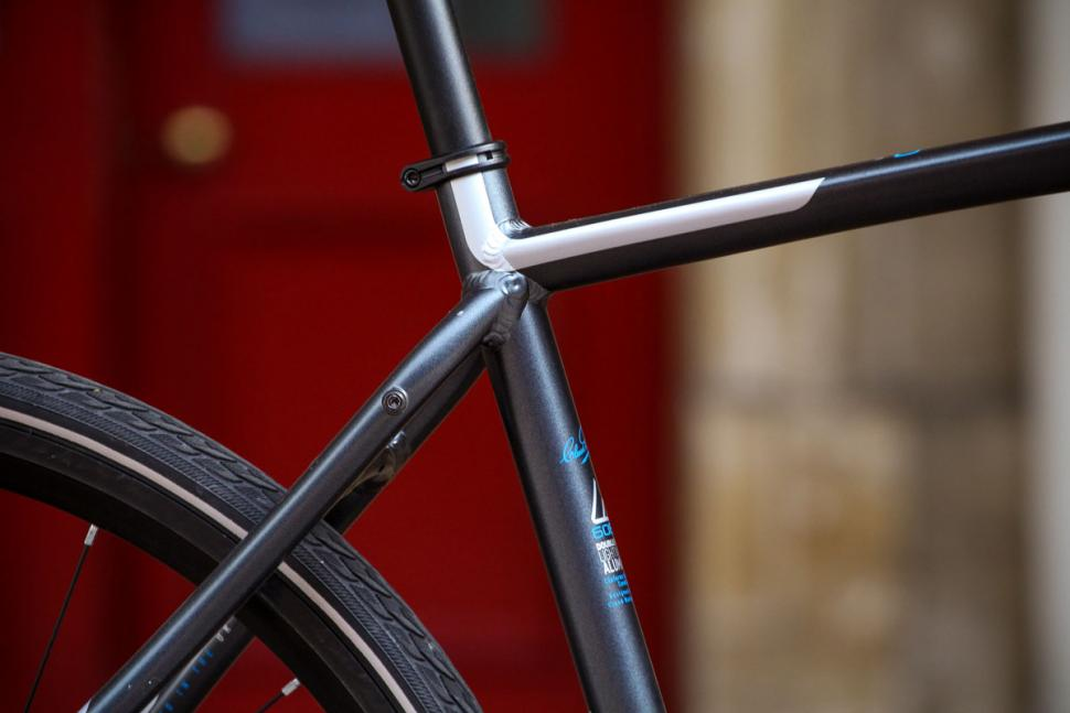 claud_butler_quest_11_-_seat_tube_junction.jpg