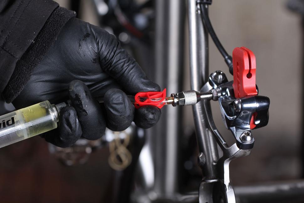 close calliper clamp.jpg