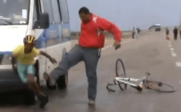 Coach assaulting young cyclist in Egypt (Modo Peiraias Facebook video still).PNG