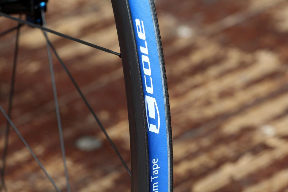 Cole C40 Lite Wheelset - rim bed.jpg