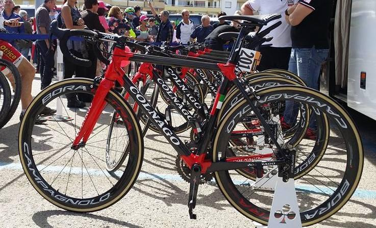 colnago c60 2017 race bike.jpg