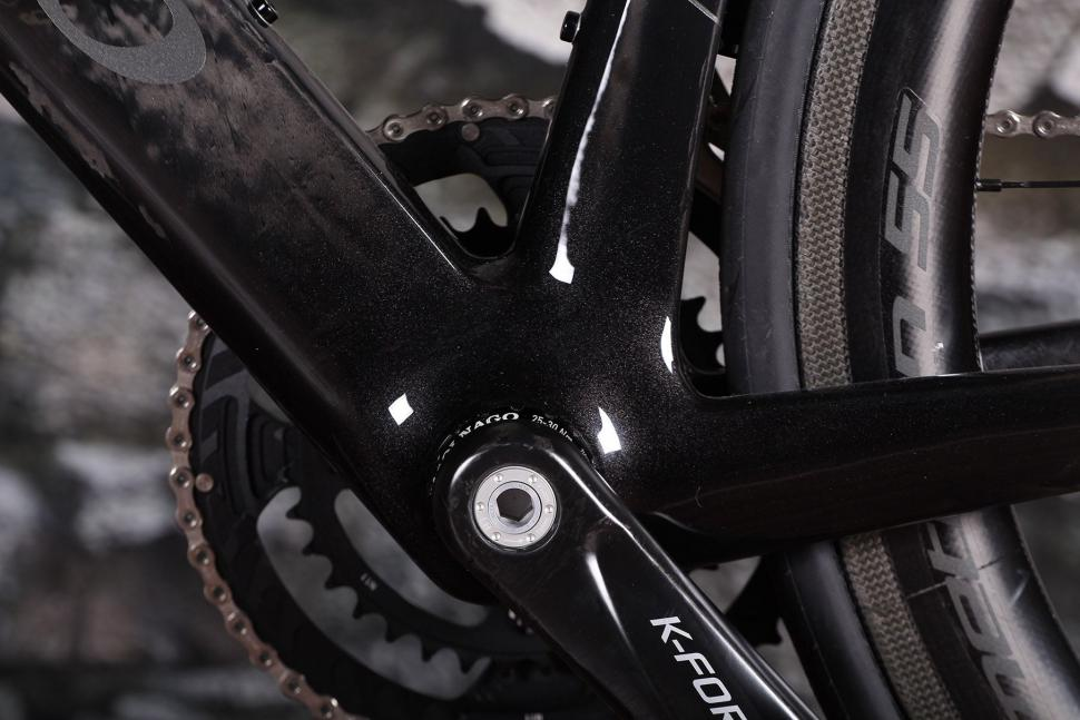 Colnago Concept - bottom bracket.jpg