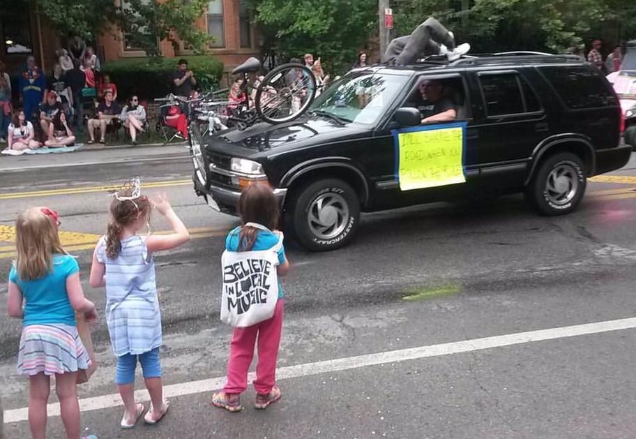 Columbus Doo Dah Parade via Spencer Hackett on Twitter).jpg