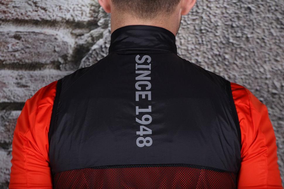 Condor Professional Gilet V2 - shoulders.jpg