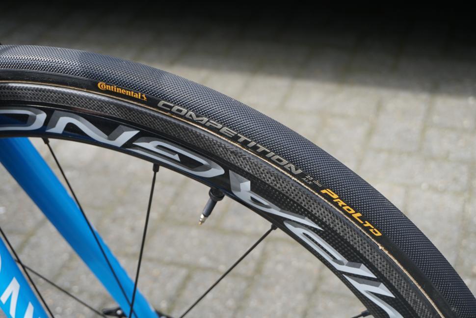 continental pro ltd tyre2.JPG