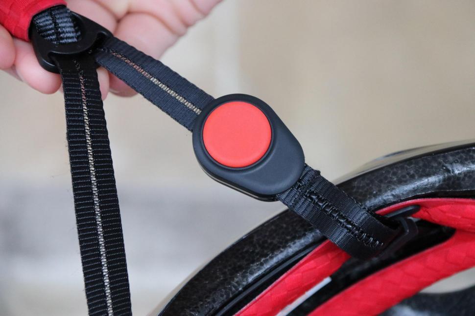 Coros Linx Smart Helmet - bone conduction headphone 2.jpg