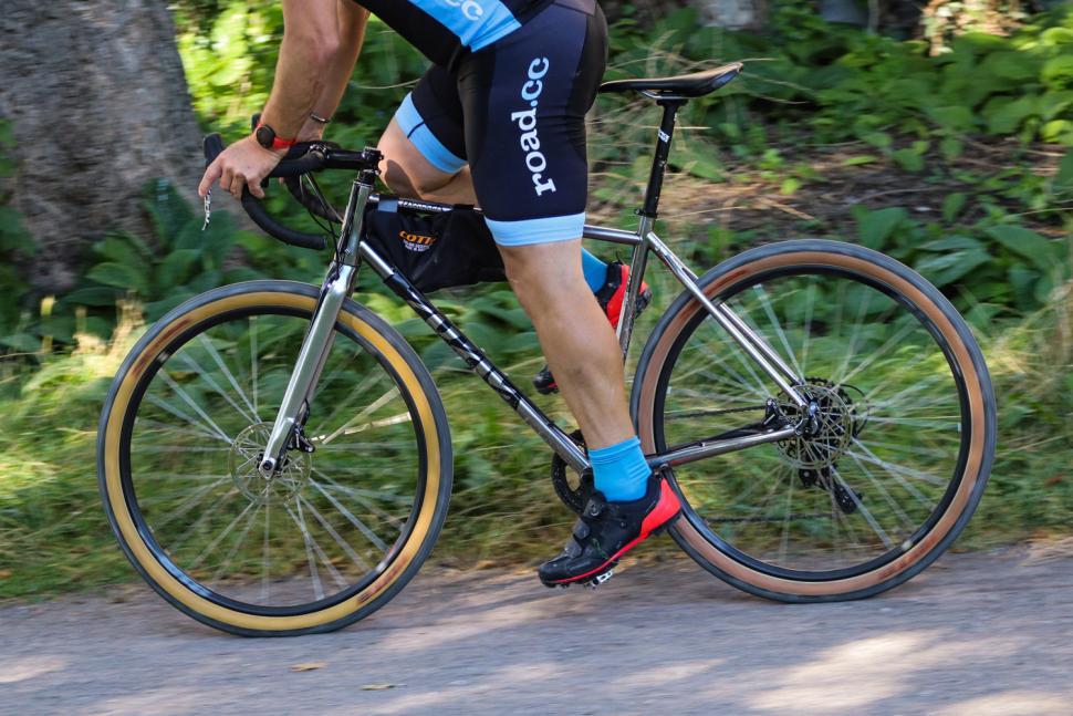 Cotic Escapade - riding 2.jpg