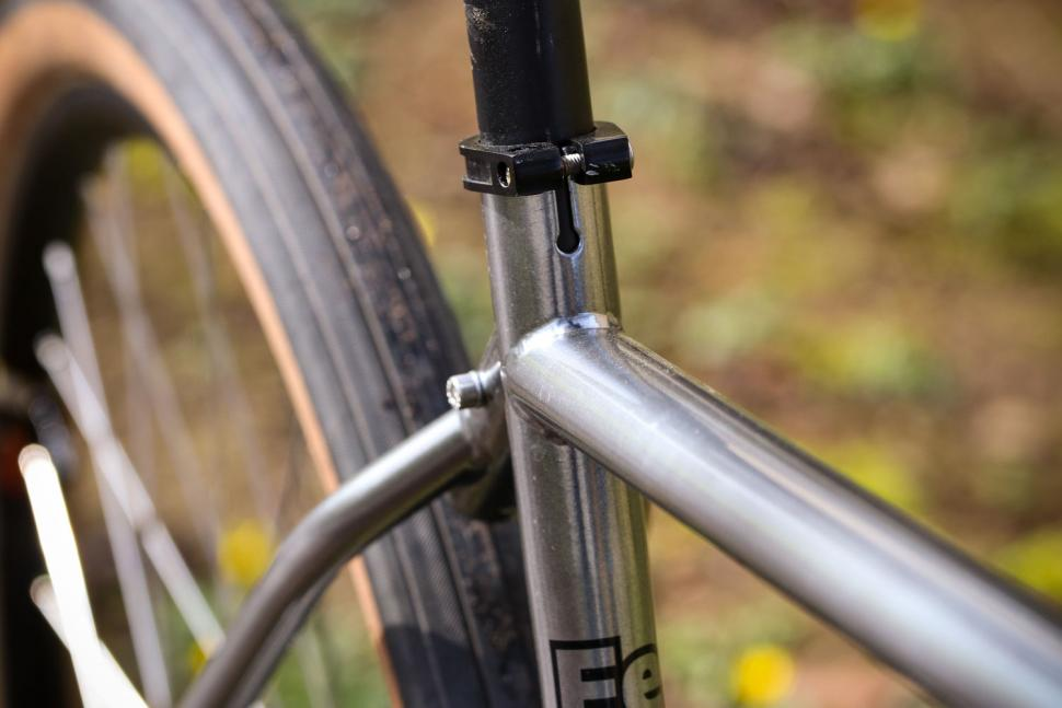 Cotic Escapade - top tube 2.jpg