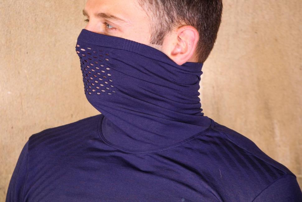 Craft Fuseknit Turtleneck Comfort Jersey - collar 2.jpg