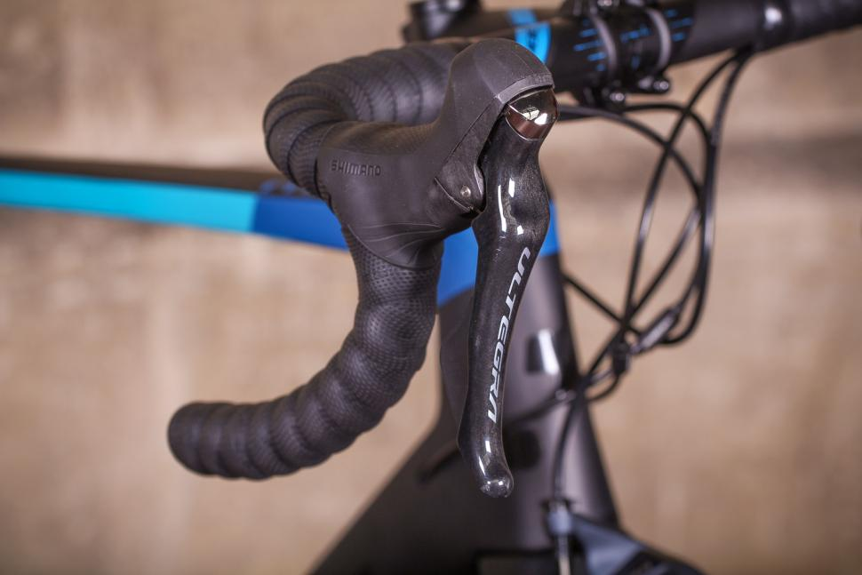 Cube Agree Pro - bar and shifter 2.jpg