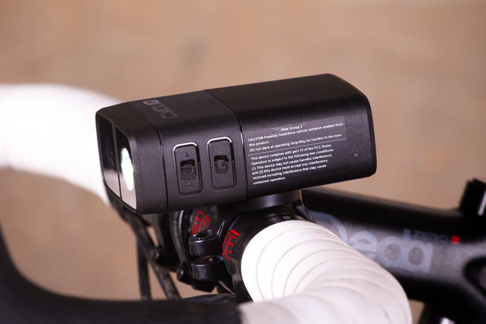 Cycliq Fly12 HD Camera and Front Light - buttons.jpg