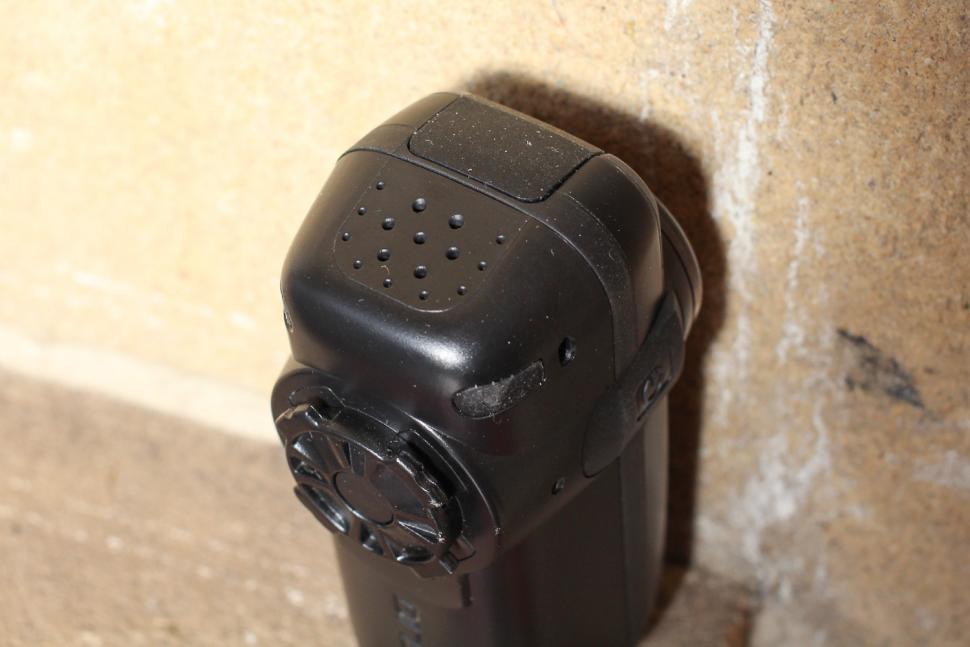 Cycliq Fly6 Hd Camera and Rear light - speaker.jpg