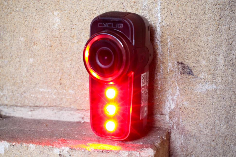 Cycliq Fly6 Hd Camera and Rear light - unit.jpg