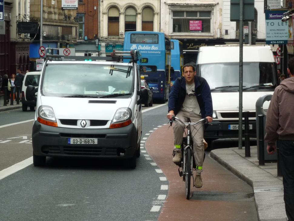 Cyclist in Dublin (licensed CC BY 2.0 on Flickr by Teyvan Petttinger)