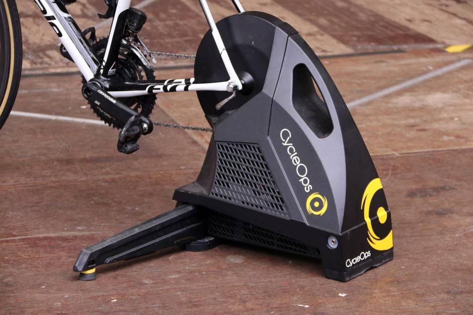 CycleOps Hammer Direct Drive SMART Trainer - vent.jpg