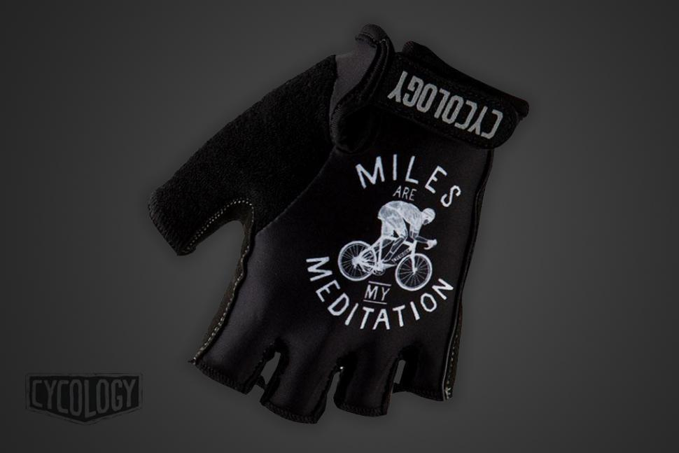 CycologyCompoJuly-2019-gloves.jpg