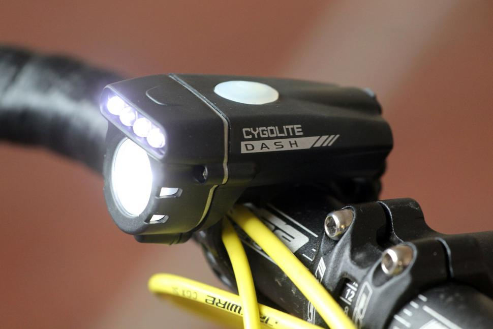Cygolite Front Dash 320 USB Rechargeable headlight.jpg