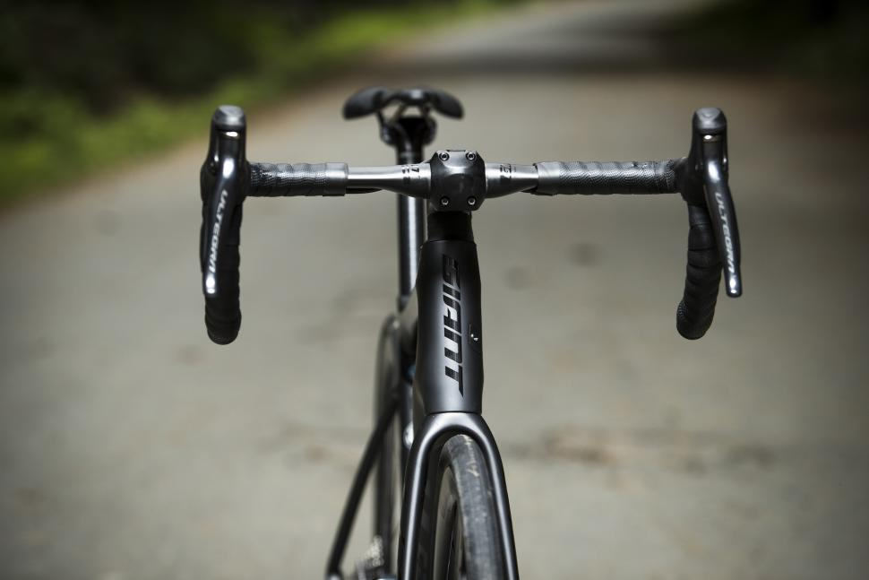 All new Giant Defy launches, featuring D-Fuse handlebar and Giant's