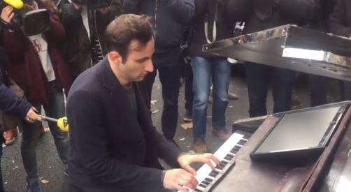 Davide Martello at Bataclan Theatre YouTube still.JPG