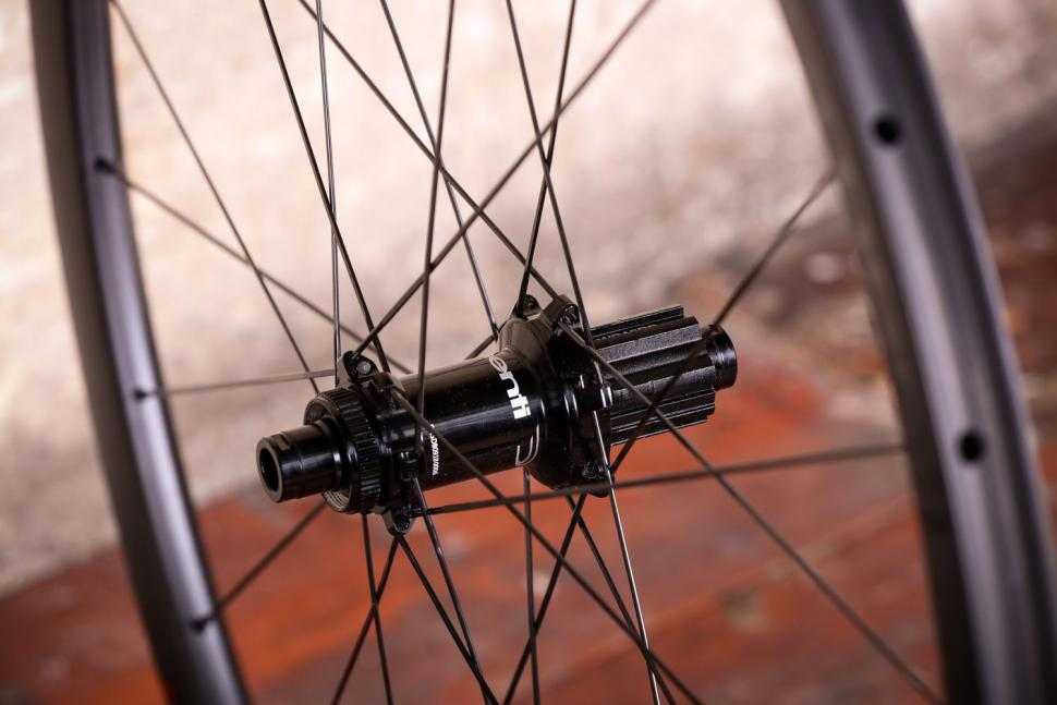 Dedaelementi SL 30 Disc DB wheels - rear hub 2.jpg