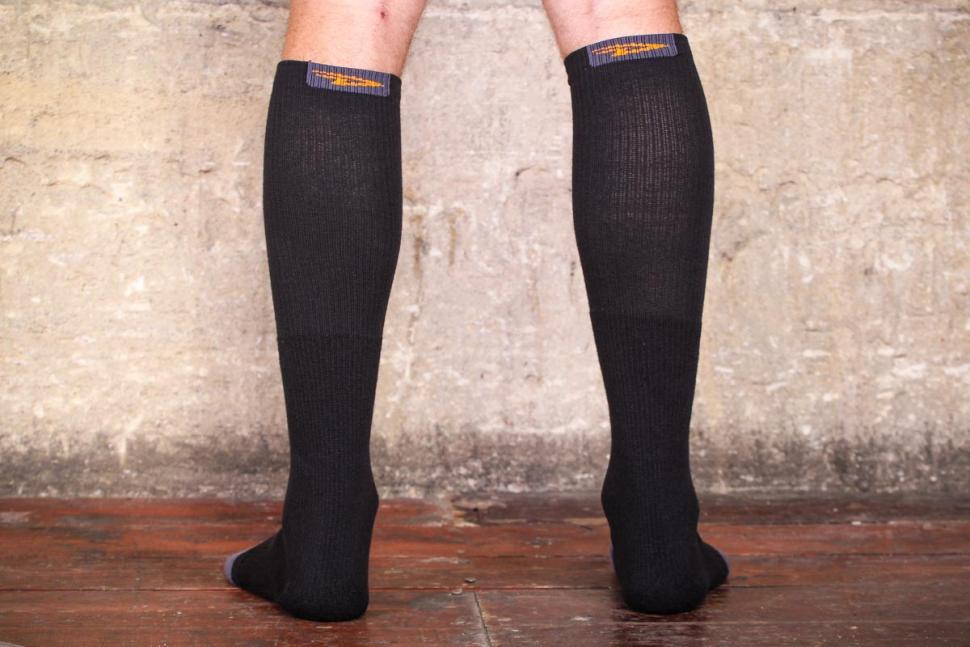 DeFeet Thermeator Knee High socks - back.jpg