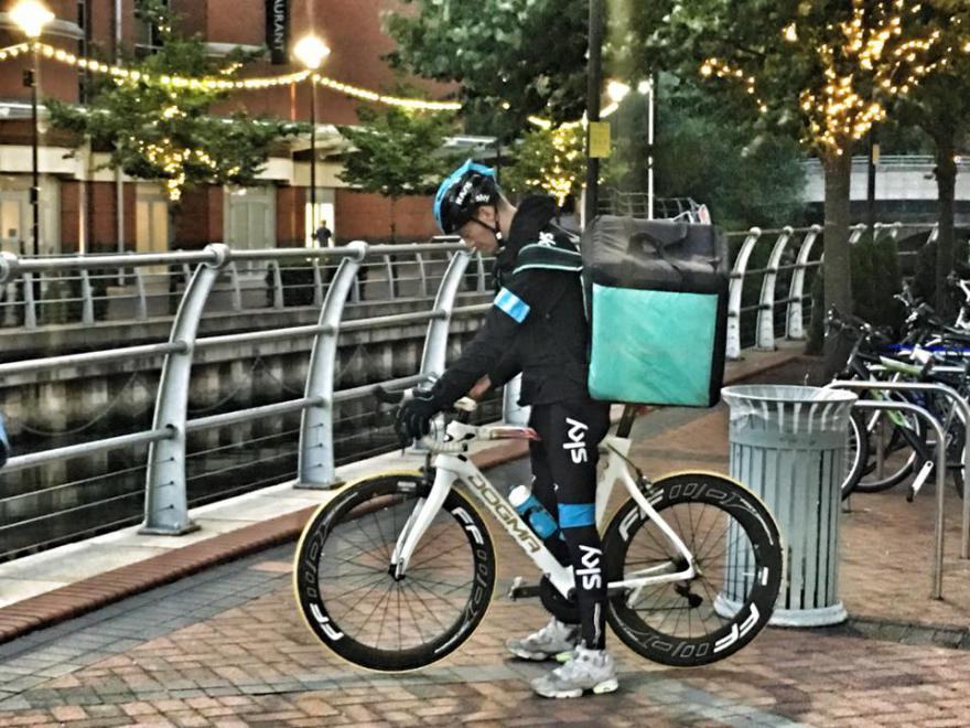 deliveroo team sky