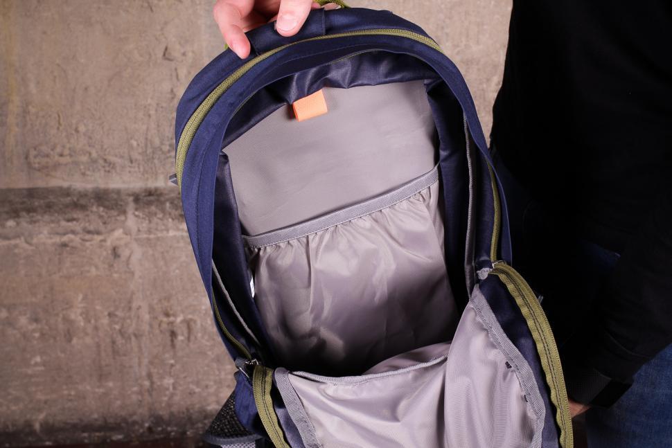 Deuter Bike 1 16 EXP rucksack - inside.jpg