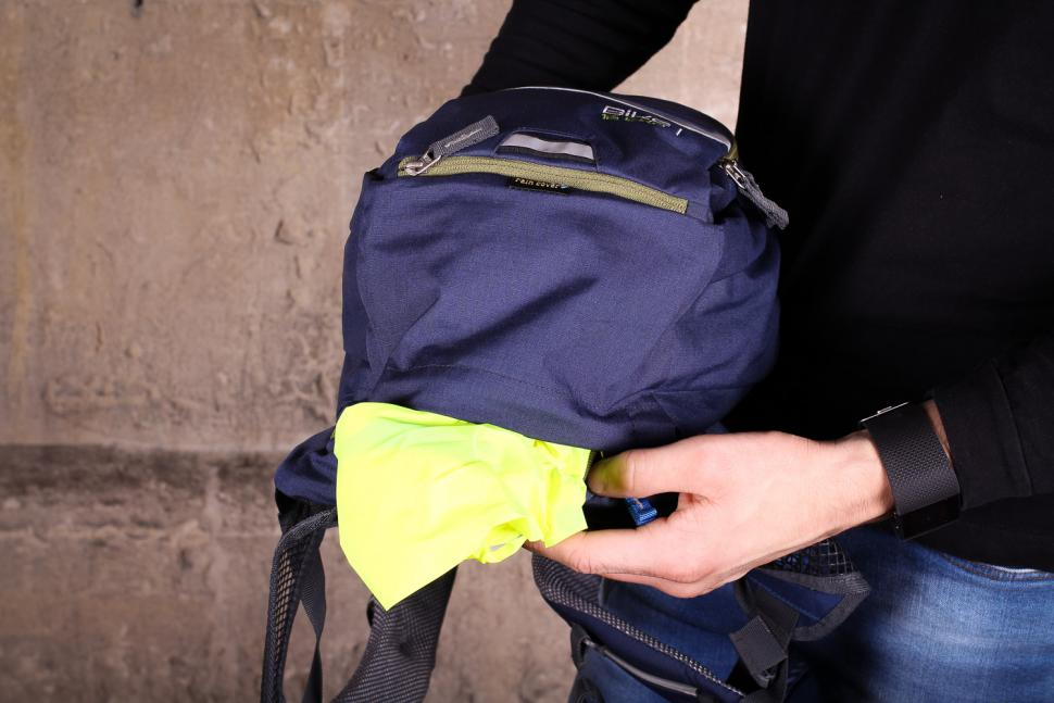 Deuter Bike 1 16 EXP rucksack - rain cover.jpg