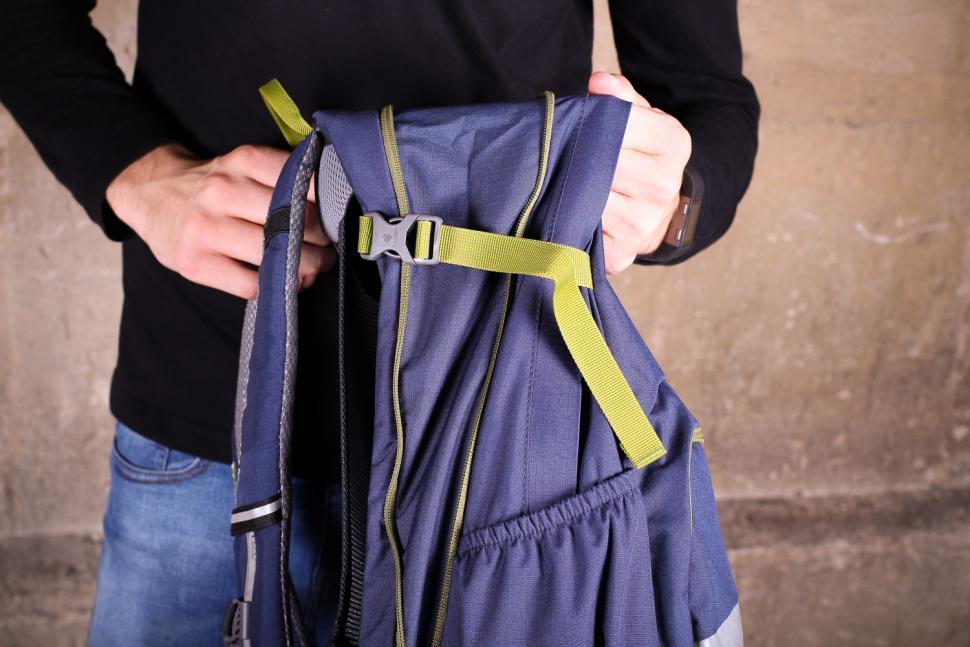 Deuter Bike 1 16 EXP rucksack - side strap.jpg