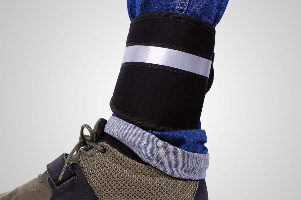 Deuter-Pants-Protector-2.jpg