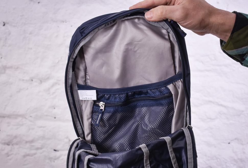 Deuter Race X 12 backpack-7.jpg