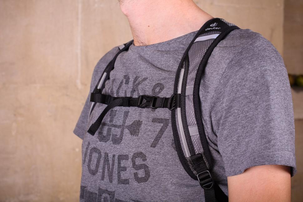 Deuter Road One - straps.jpg