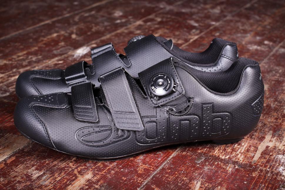 dhb Aeron Carbon Road Shoe Dial - sides.jpg