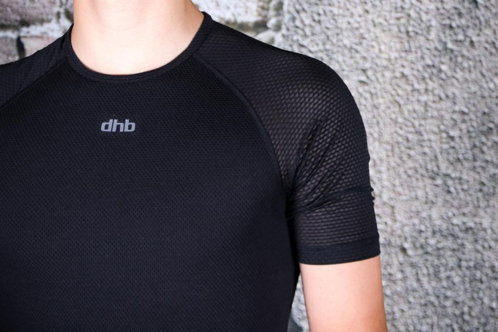 dhb Aeron Equinox Short Sleeve Base Layer - sleeve.jpg