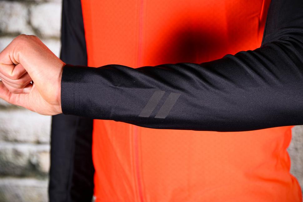 dhb Aeron Equinox Thermal Jersey - sleeve.jpg
