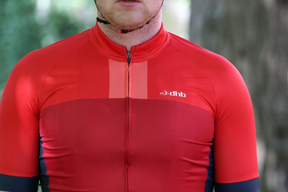 dhb Aeron jersey - chest.jpg